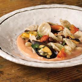 Orecchiette in zuppa di fagioli e cozze profumate al rosmarino