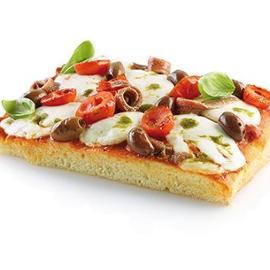 Pizza con mozzarella di bufala e acciughe con salsa di pomodori secchi