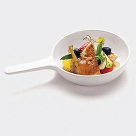 Pollo in tegame con cipollotti, patate novelle e olive nere
