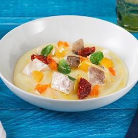 Vellutata di patate con baccalà cotto sottovuoto alla melissa e pomodori essiccati