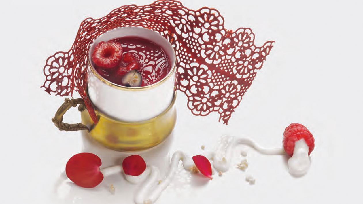 Absolut vintage: Mousse allo yogurt e quinoa e gelatina di frutti rossi – Ricetta