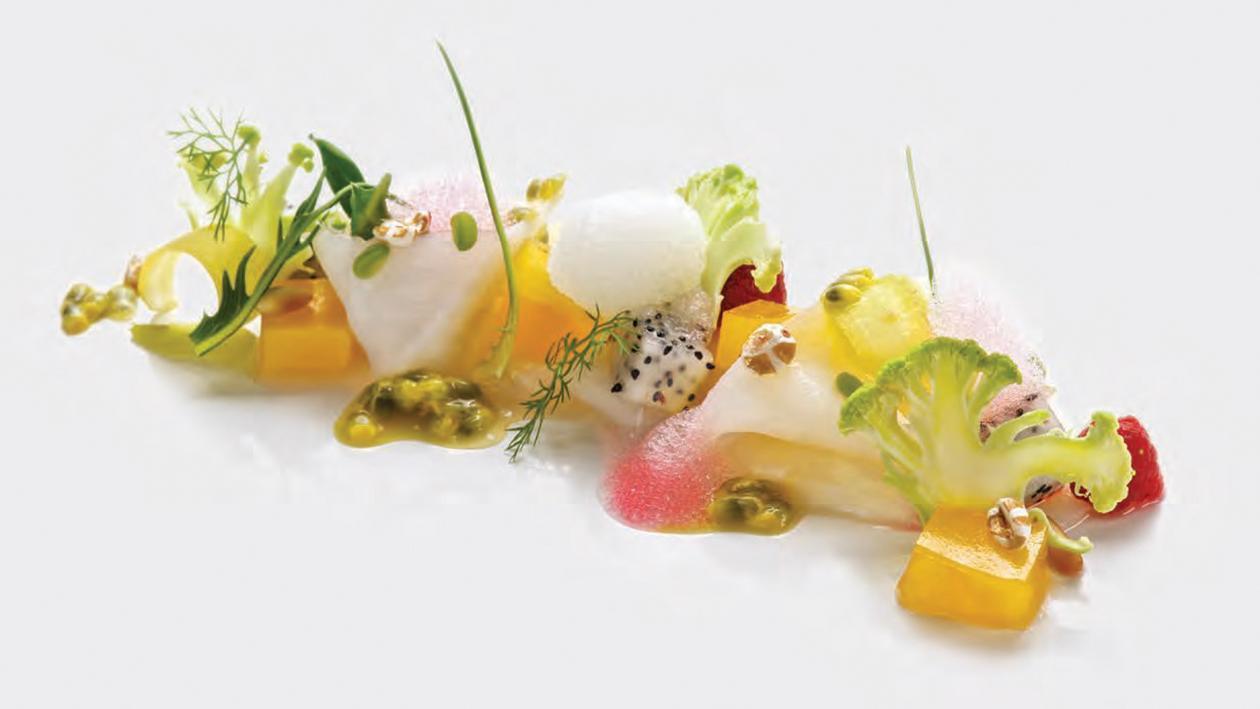 Baccalà in carpaccio, gelatina di mandarino, dressing al frutto della passione e aria di barbabietola rossa – Ricetta