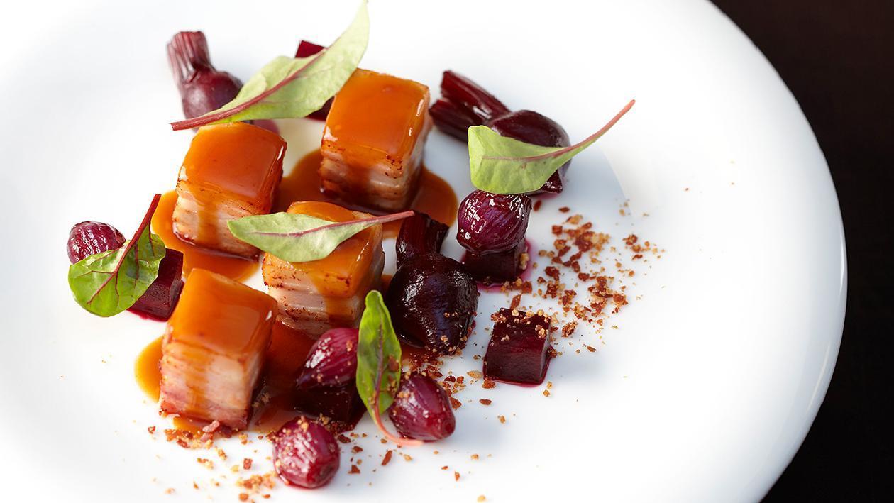 Bacon con barbabietole e cipolla rossa – Ricetta
