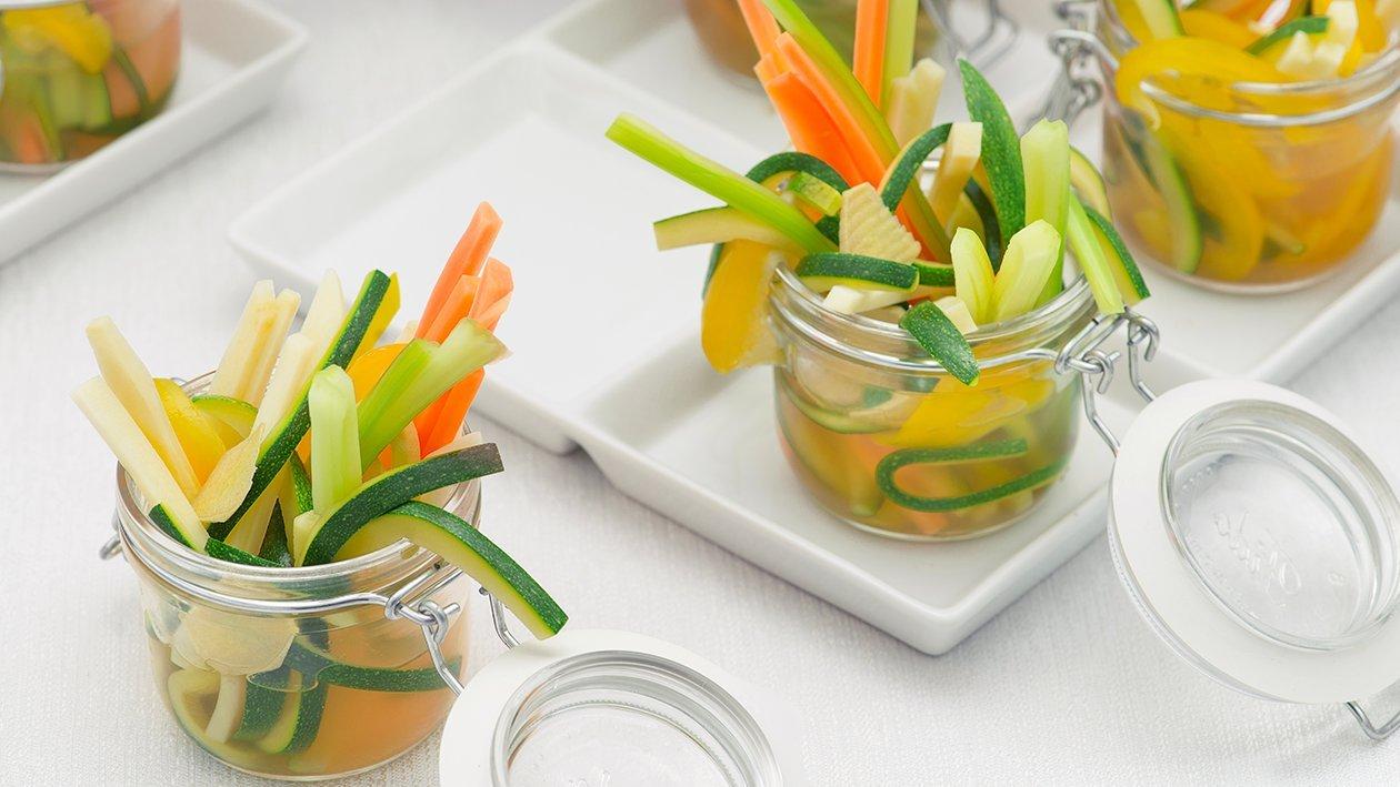 Bastoncini di verdure bollite in brodo allo zenzero – Ricetta