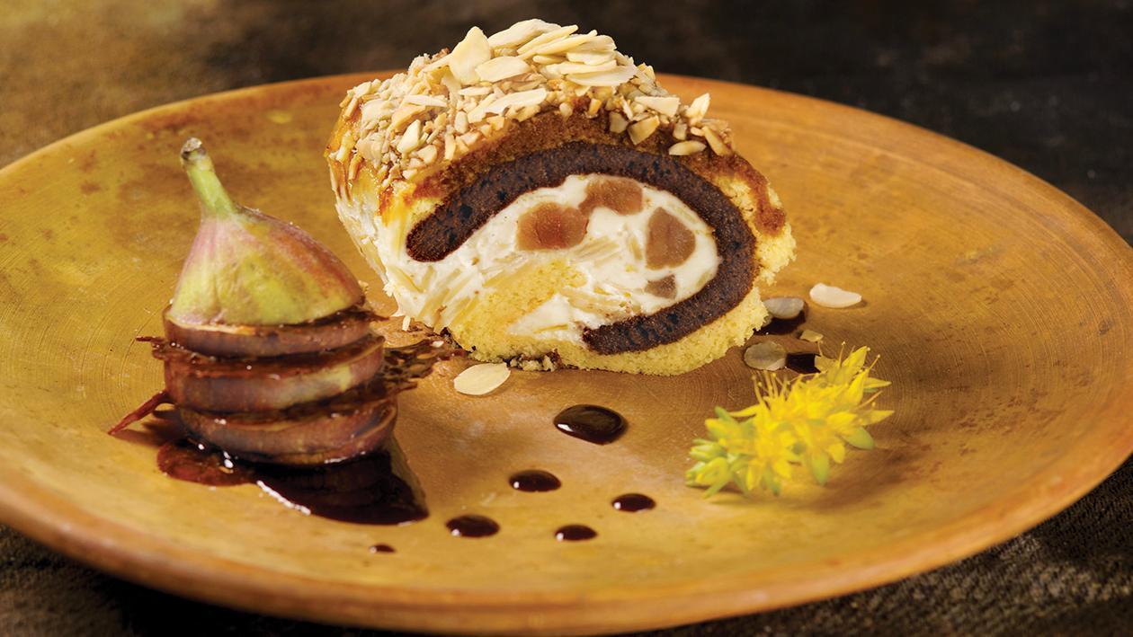 Bisquit con crema tiramisù, caramello e fichi – Ricetta