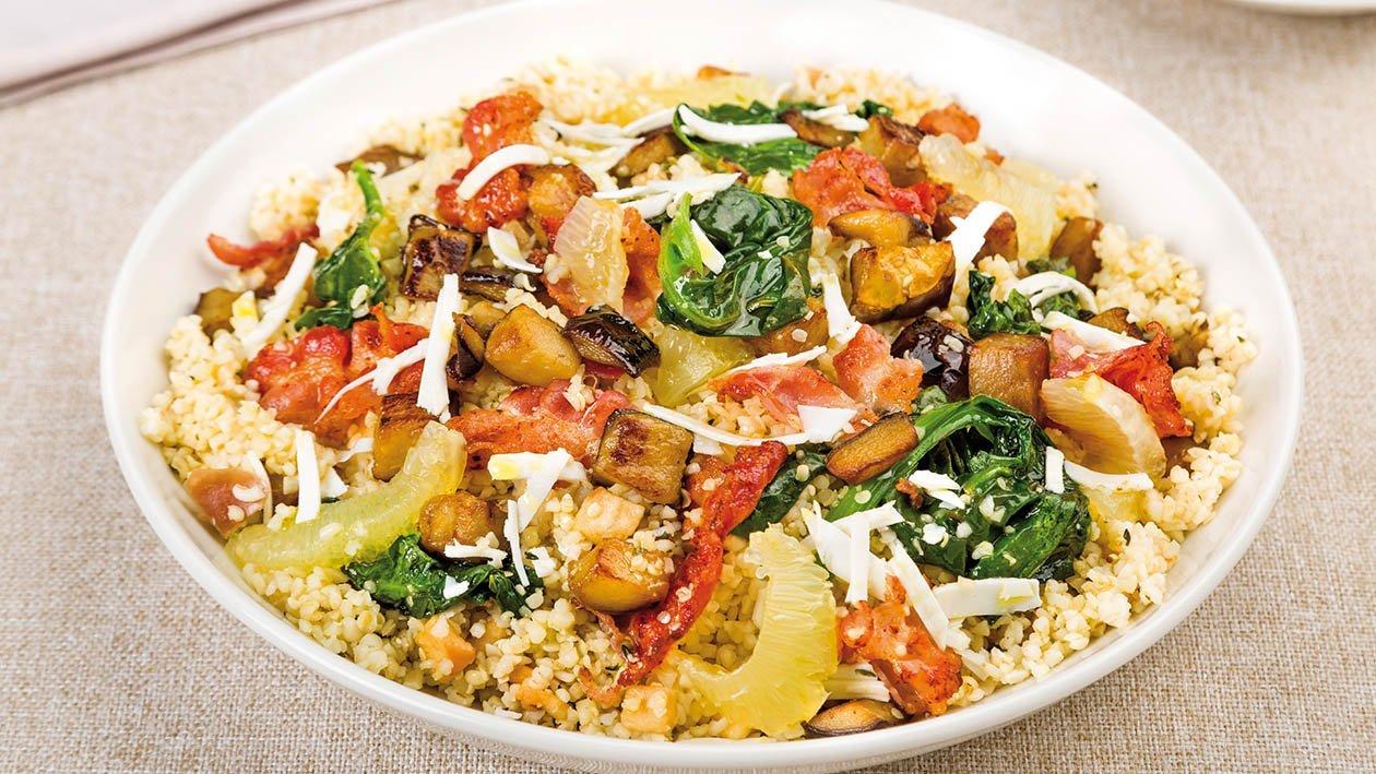bulgur tiepido con melanzana arrosto, pancetta croccante, ricotta salata e spinaci al limone – Ricetta