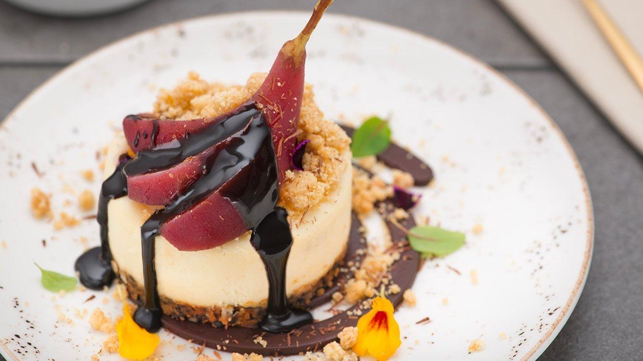 Cheesecake con pere al vino e cioccolato – Ricetta