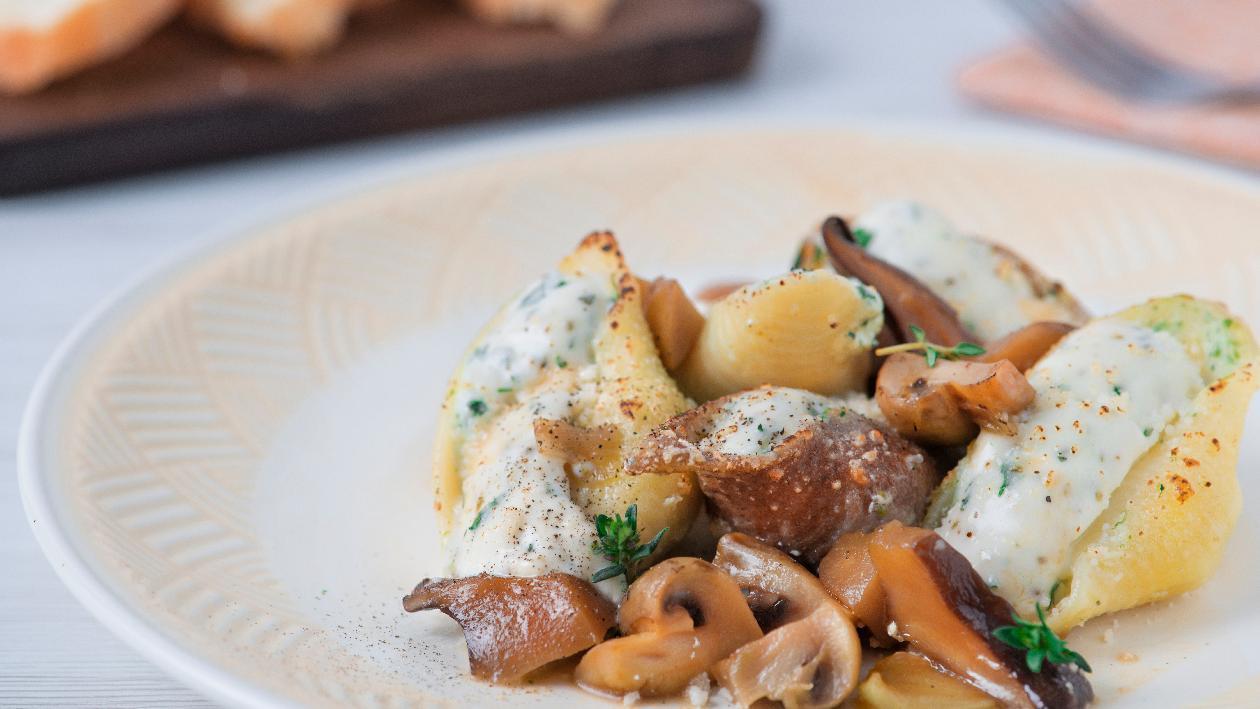Conchiglioni con ricotta e spinaci con zuppetta e funghi – Ricetta