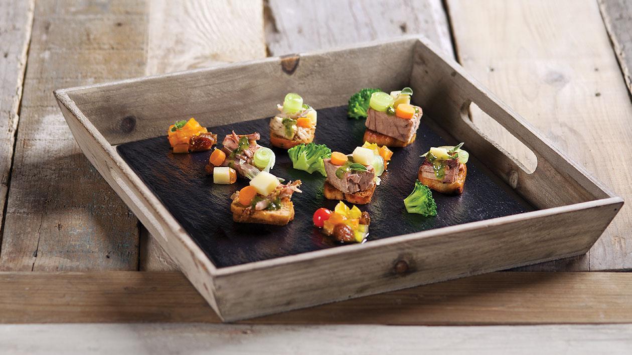 Crostini di bollito misto e salsa verde – Ricetta
