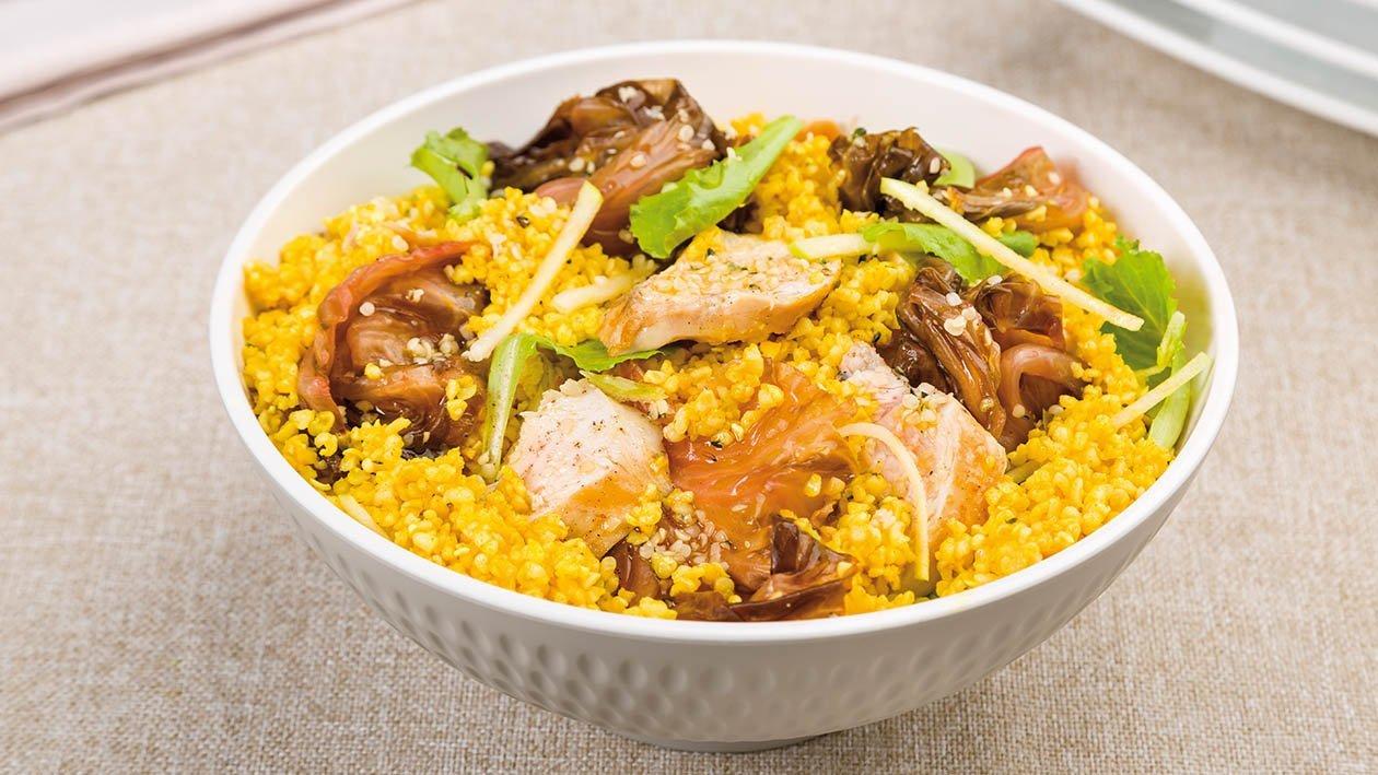insalata di bulgur alla curcuma con radicchio tardivo, pollo alla piastra, mela e semi di canapa – Ricetta