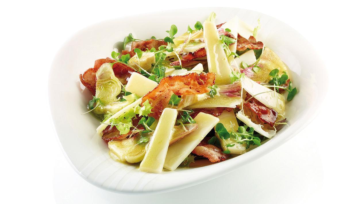 Insalata di carciofi, parmigiano, bacon croccante con limone e basilico – Ricetta