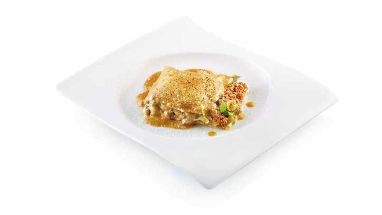 Lasagna arrotolata con straccetti di manzo, melanzane e mozzarella – Ricetta