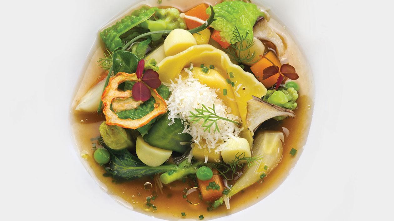 Minestrone di verdure con tortelli di bufala e cicoria di campo – Ricetta