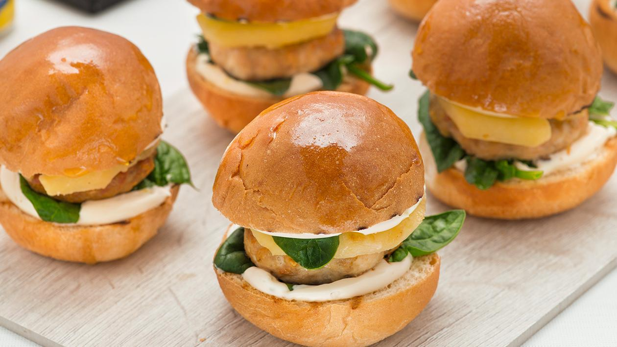 Mini burger di pollo e mele con spinacini e maionese al pepe e lime – Ricetta