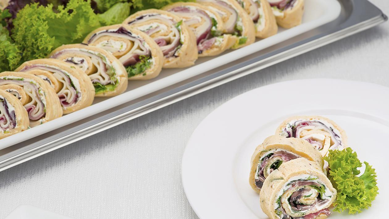 OMELETTE ARROTOLATE IN 3 VARIANTI (Prosciutto e formaggio – salsiccia e funghi – salame e rucola) – Ricetta