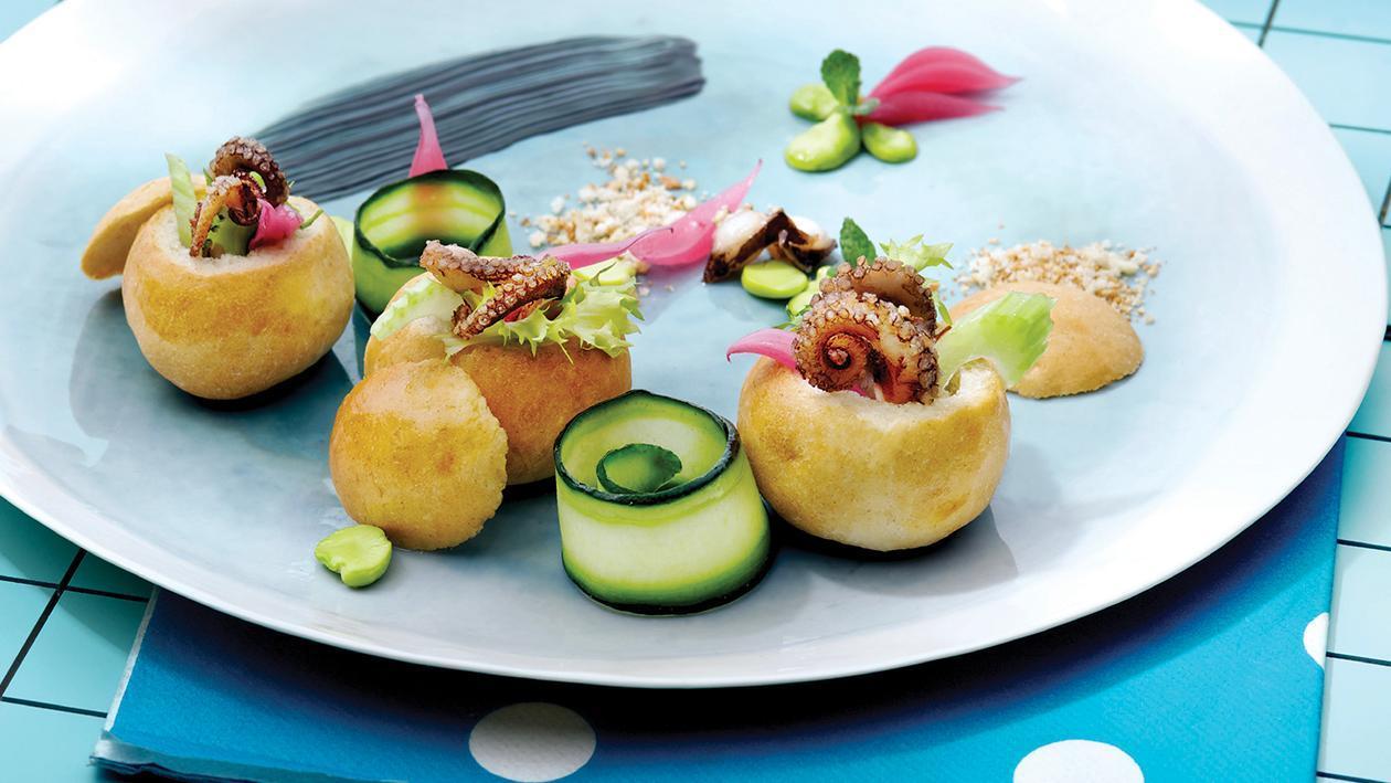 Pane cafone con panzanella e polpo arrostito condito alla mentuccia – Ricetta