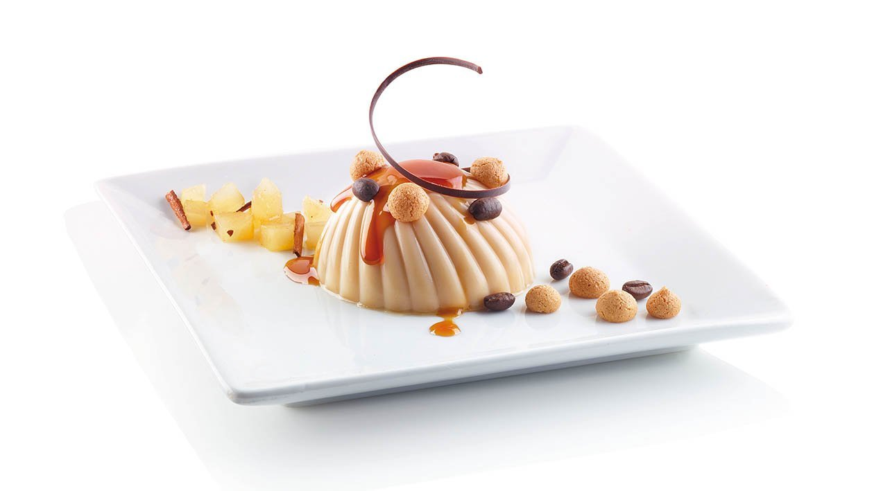 panna cotta all'amaretto con tartare di pere alla cannella – Ricetta