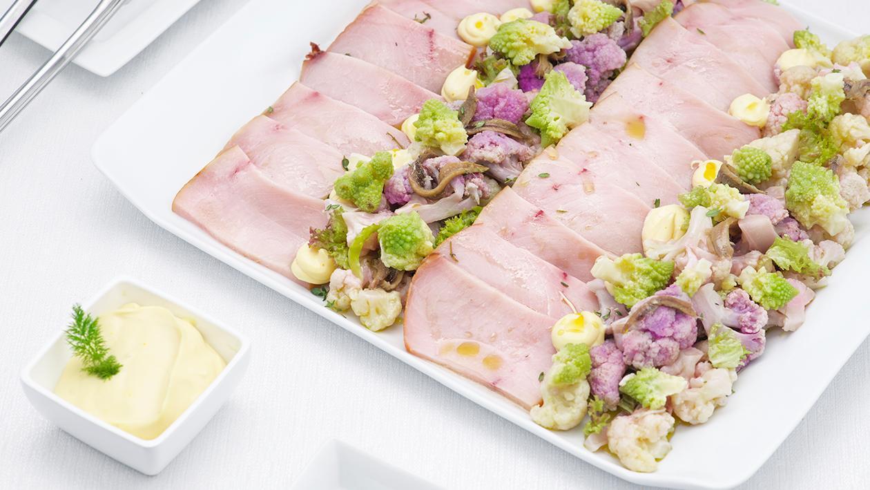 Pesce spada affumicato con cavolfiori, acciuga e maionese allo zafferano e limone – Ricetta