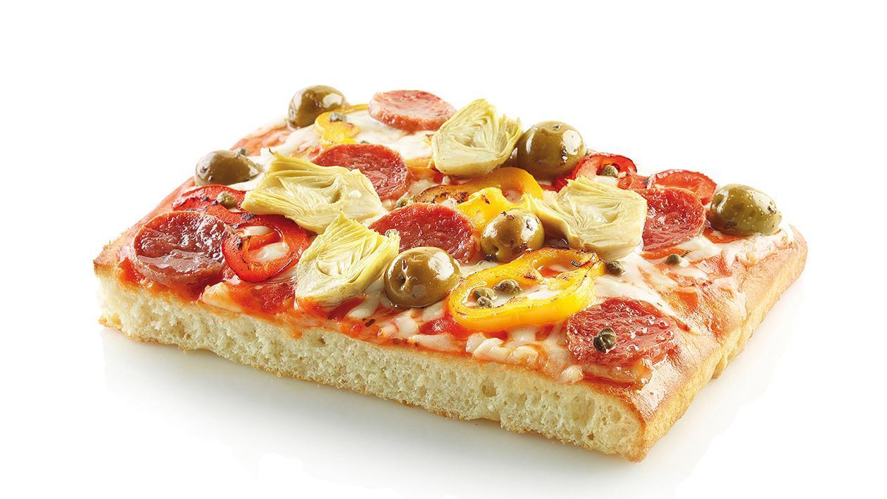 Pizza capricciosa con salsa al peperone piccante – Ricetta