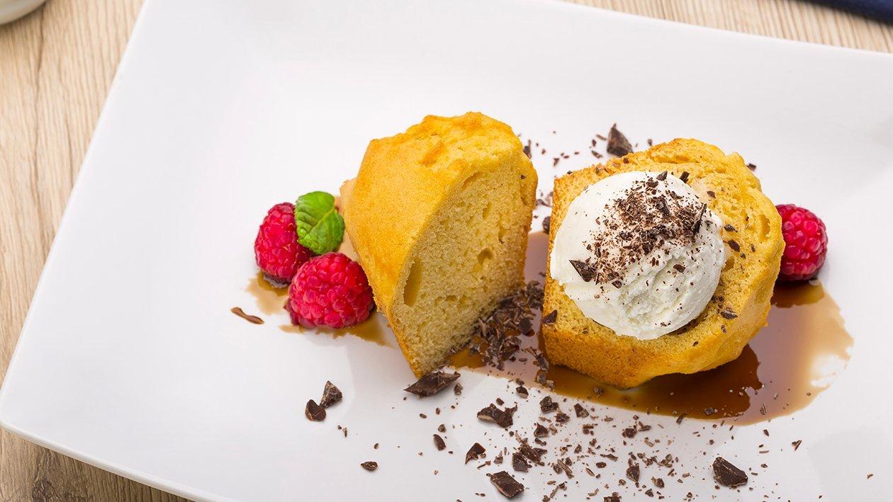 plum cake gluten free con gelato al fiordilatte e scaglie di cioccolato – Ricetta