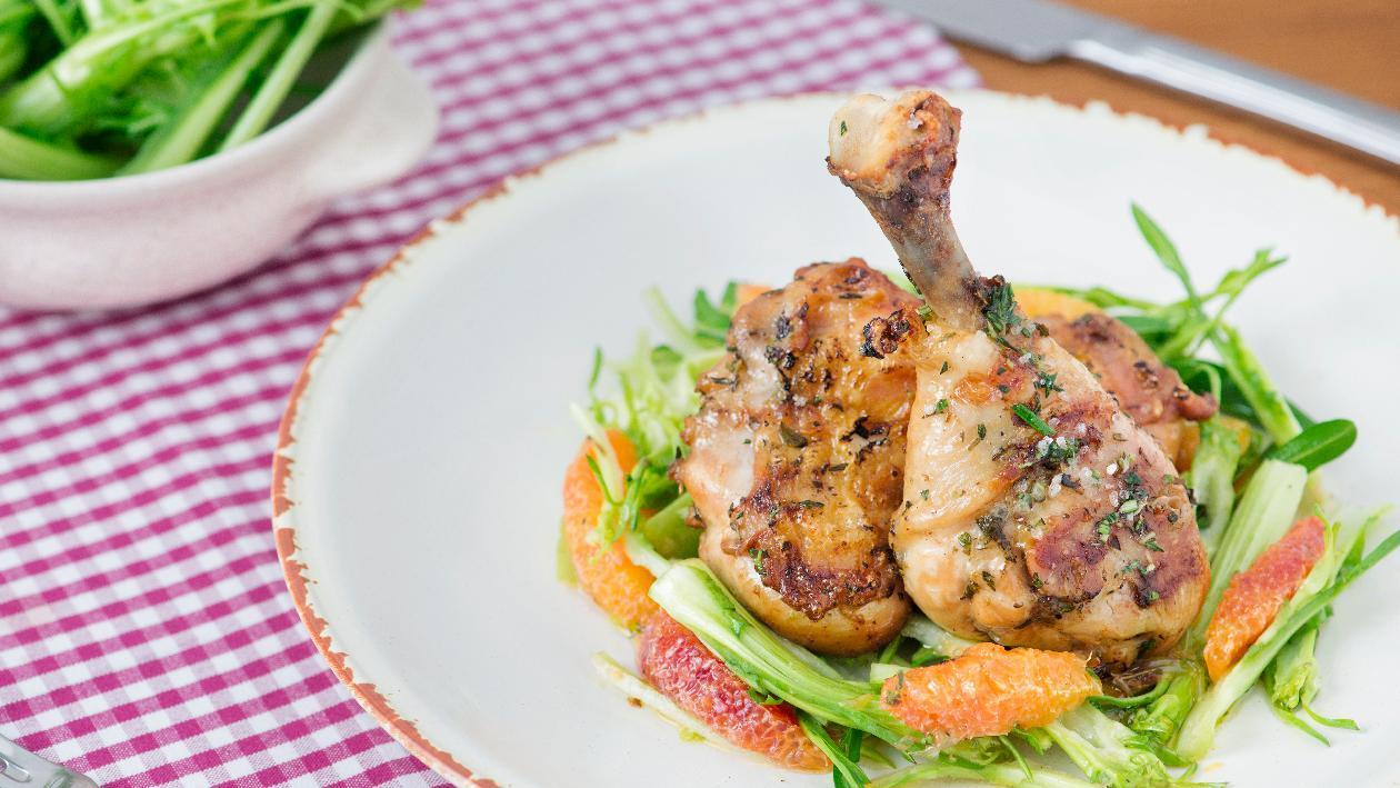 Pollo alla piastra con insalatina di arance e cicorielle – Ricetta