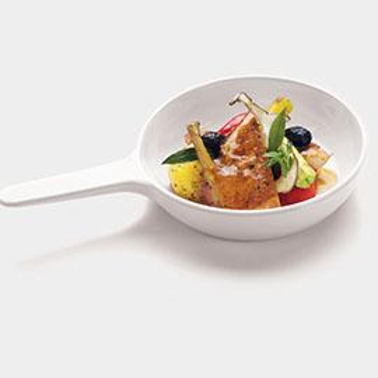 Pollo in tegame con cipollotti, patate novelle e olive nere – Ricetta