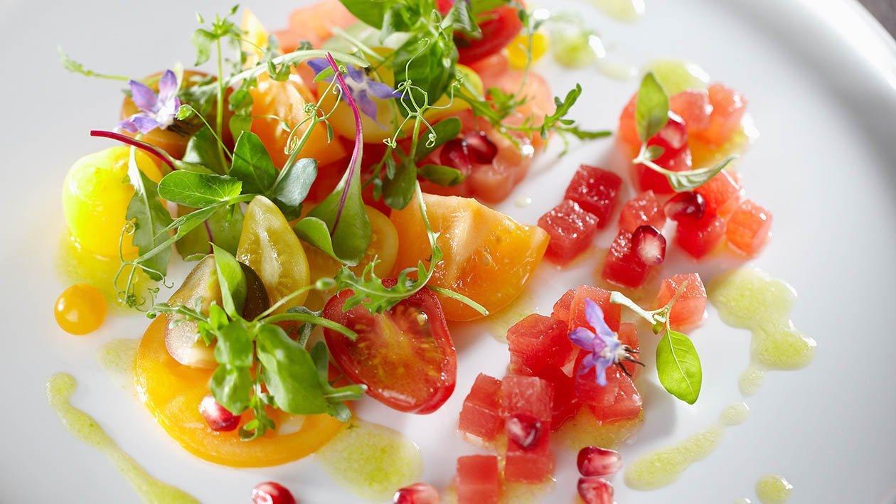 pomodoro e anguria con melograno e basilico – Ricetta
