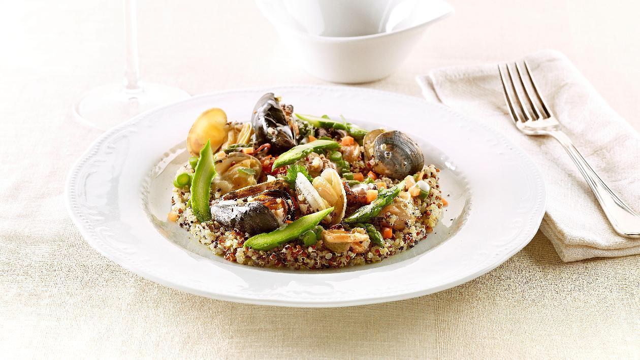 Quinoa ai frutti di mare con asparagi e fonduta al limone – Ricetta