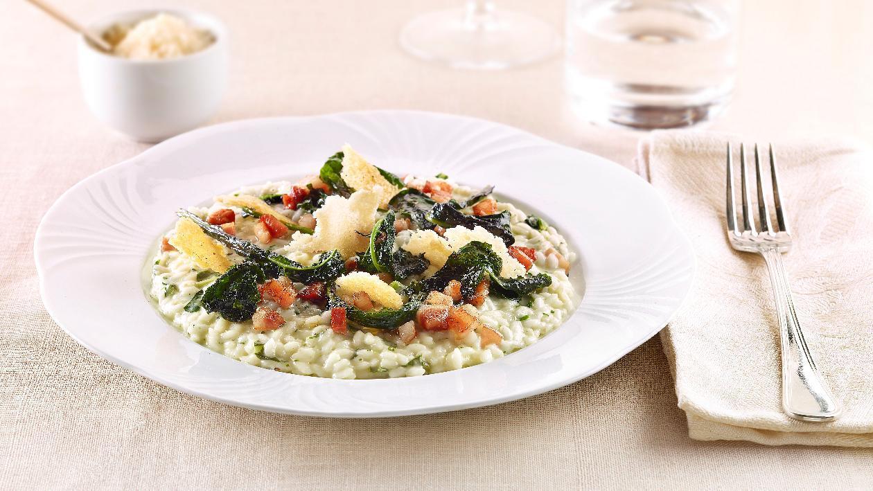 Risotto al cavolo nero e pancetta con parmigiano crispy – Ricetta