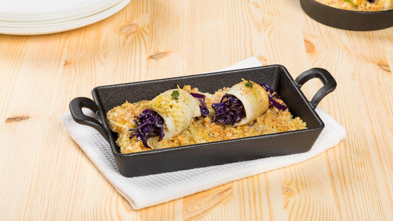 Rotolino di sogliola e cavolo viola salato su finocchi – Ricetta