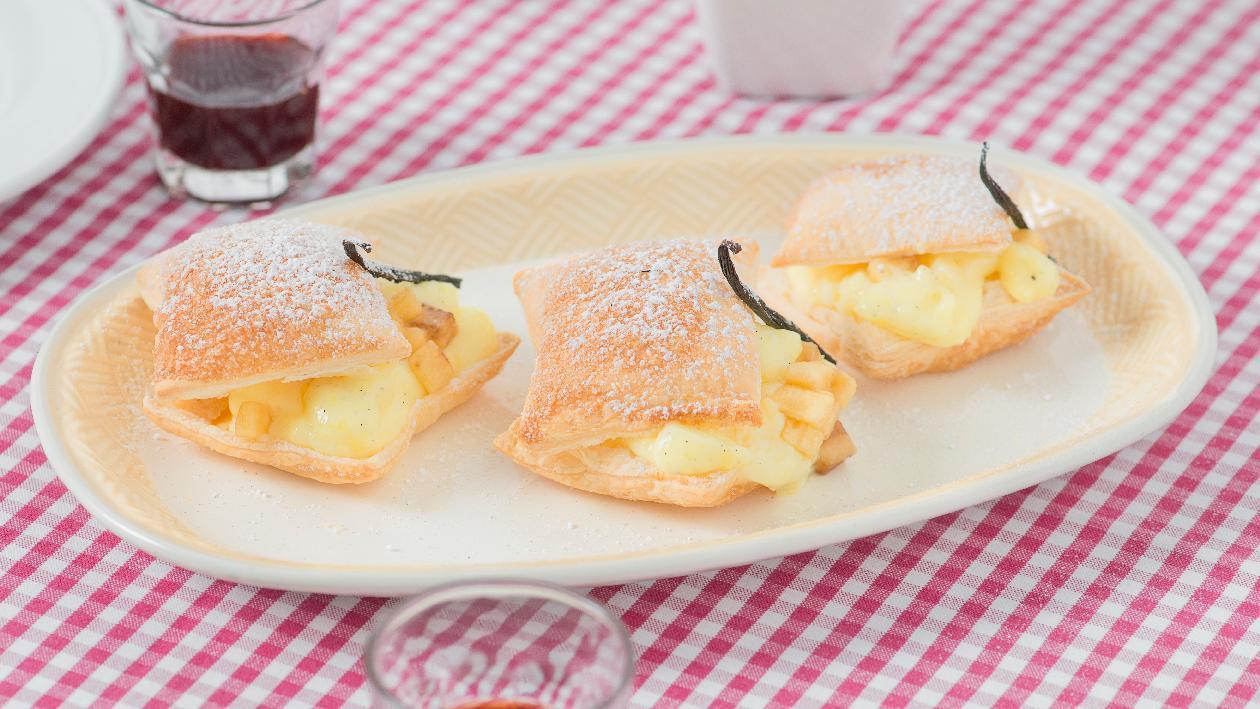 Sfogliatella farcita con pasticcera alla banana e vaniglia – Ricetta