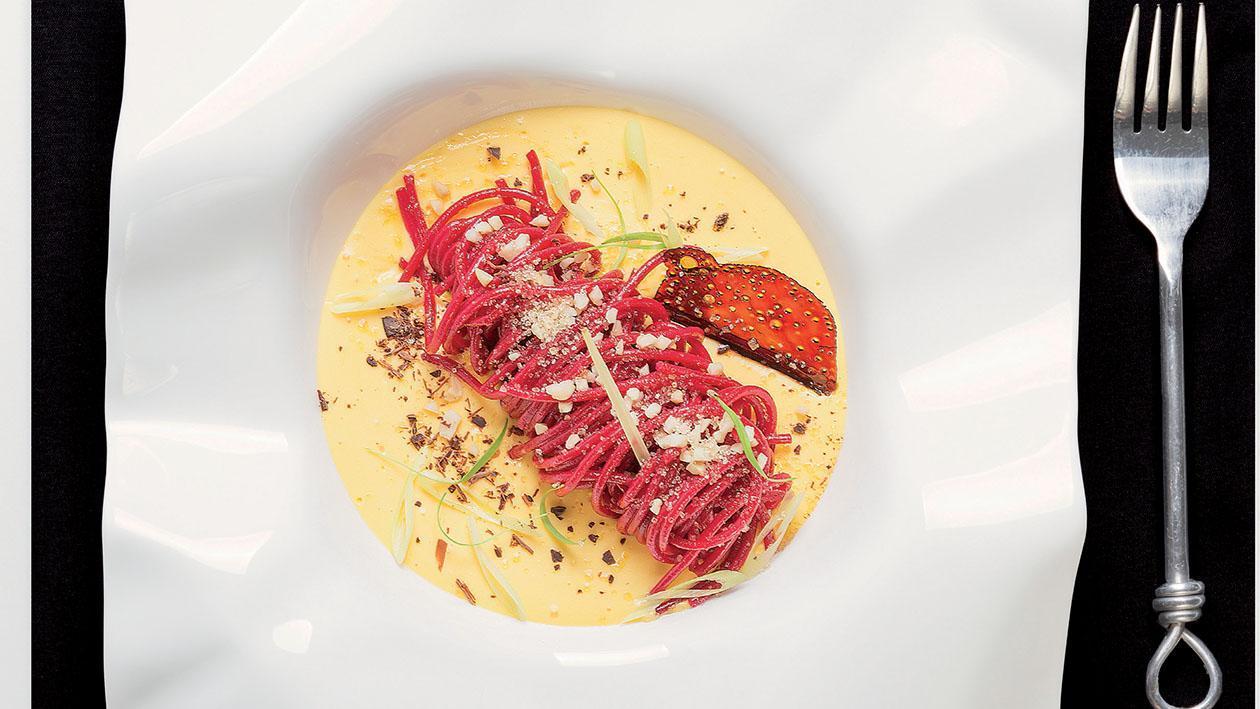 Spaghetto all'alchermes con zuppa catalana al lemongrass e zucchero integrale – Ricetta