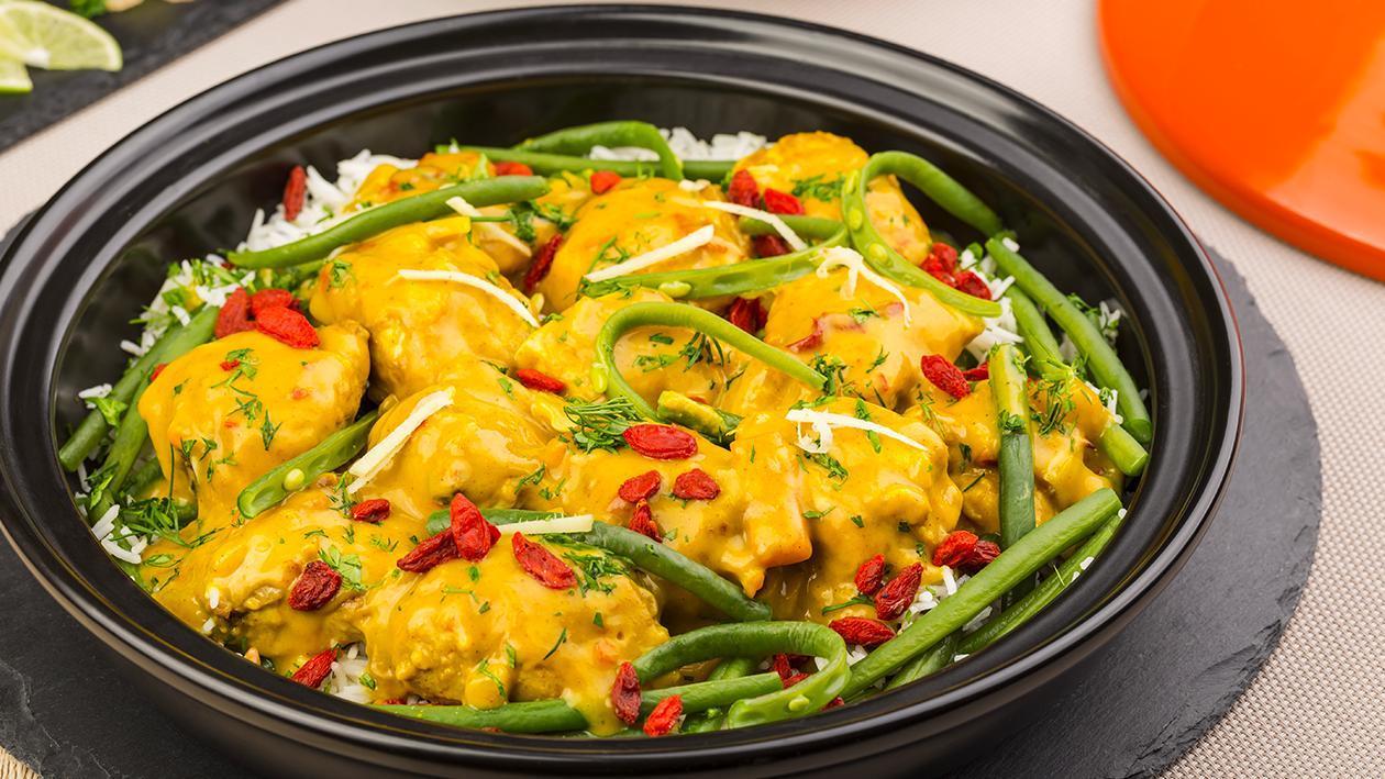 Tajine di spezzatino di pollo, bacche di goji e fagiolini in salsa al curry – Ricetta
