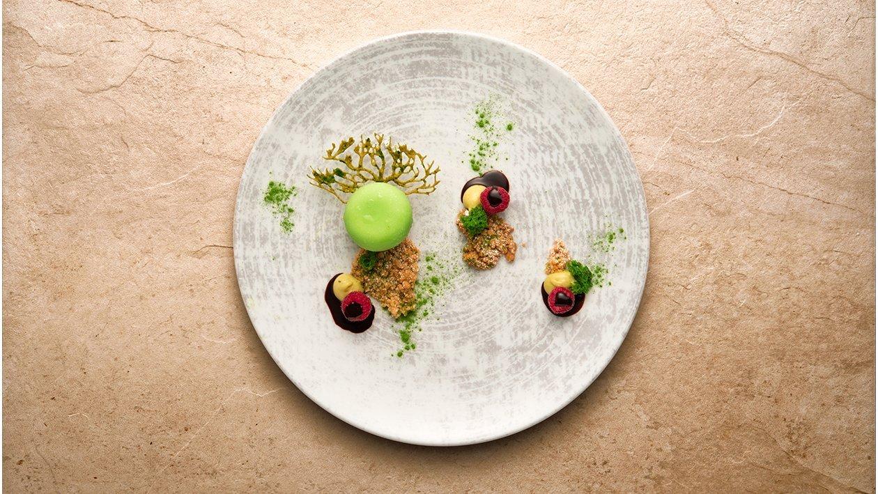 Tirami-tè crema al tiramisù al tè verde, lamponi e crumble allo zucchero di canna e cannella – Ricetta