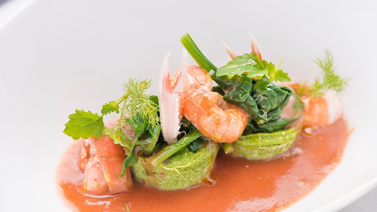 Tortino morbido di spinaci e scampi in vellutata di crostacei – Ricetta