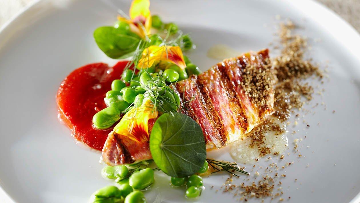triglia alla griglia con peperoni arrostiti, aneto e punte di finocchio – Ricetta