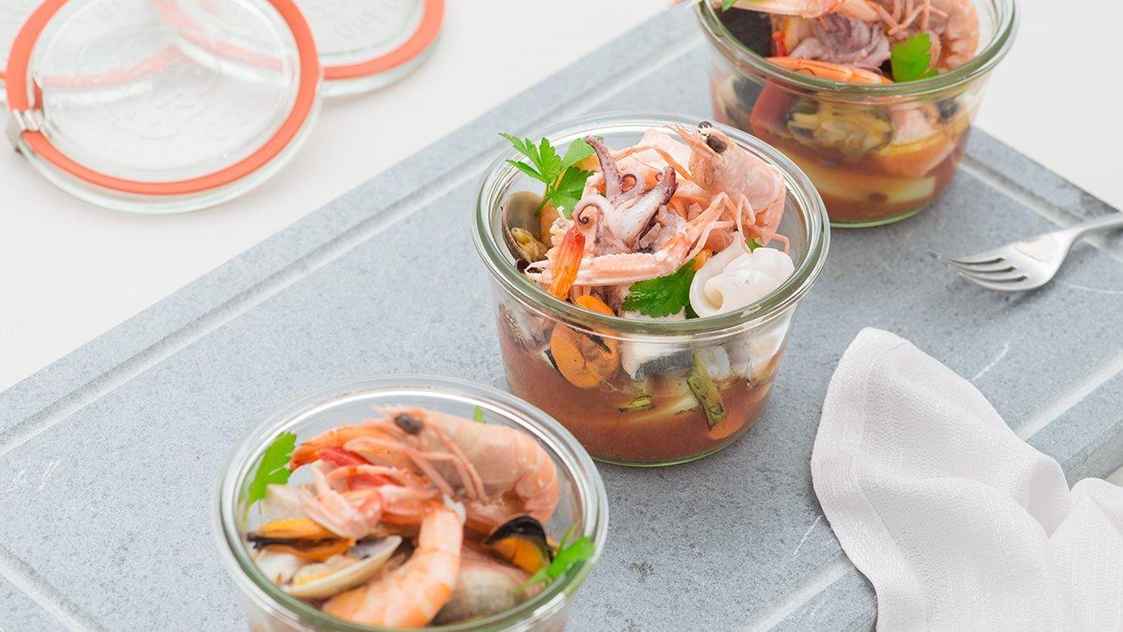 Zuppa di pesci del mediterraneo cotti al barattolo con patate e carote – Ricetta