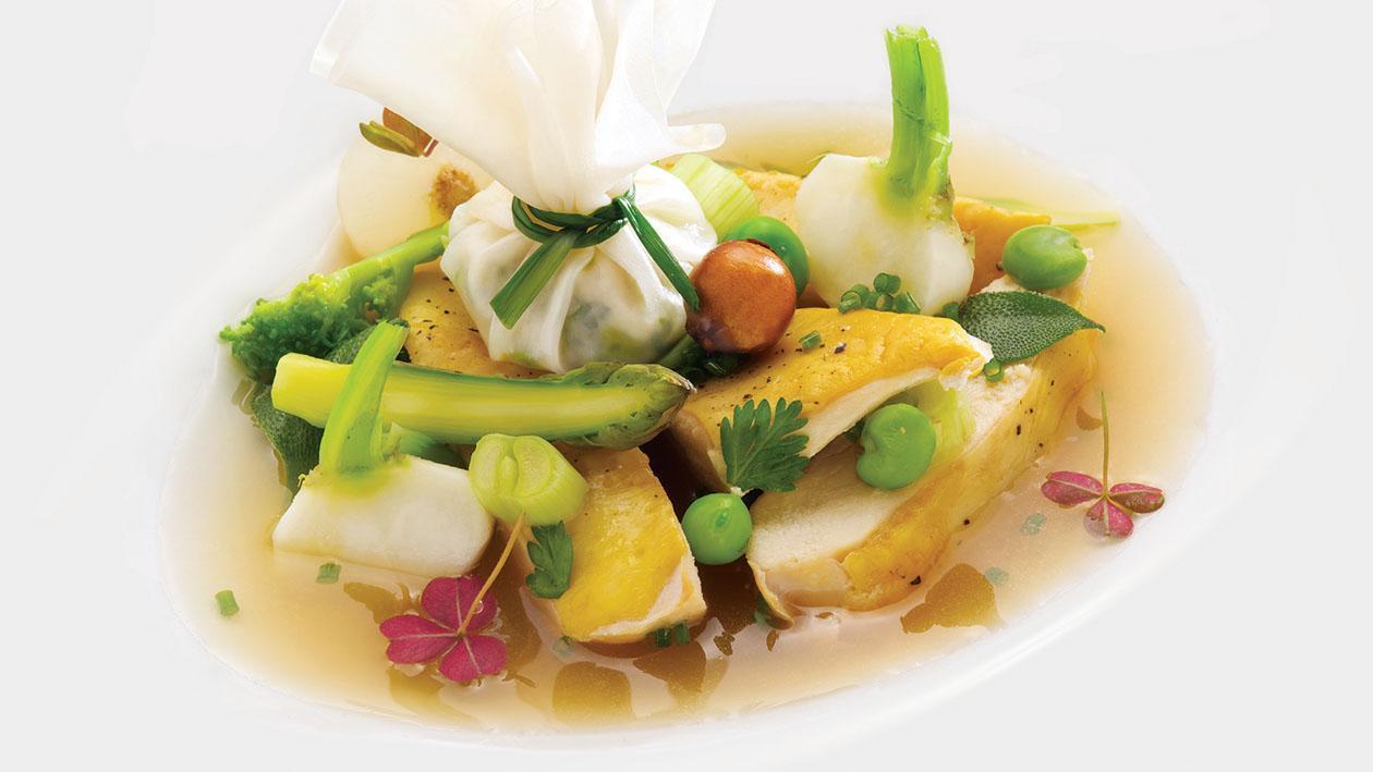 Zuppa di pollo con fagottini di fogli di riso – Ricetta