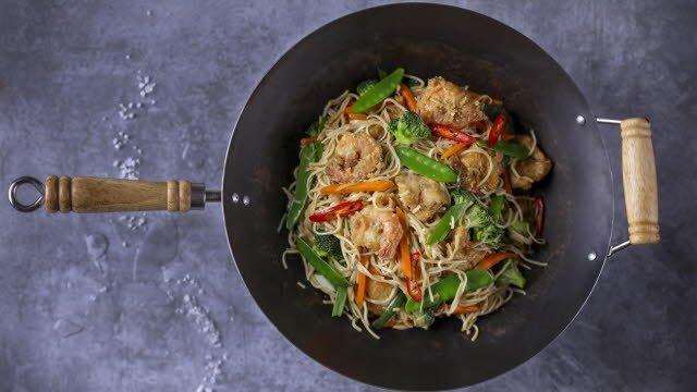 Chow mein – kepti makaronai su vištiena ir krevetėmis – Receptas