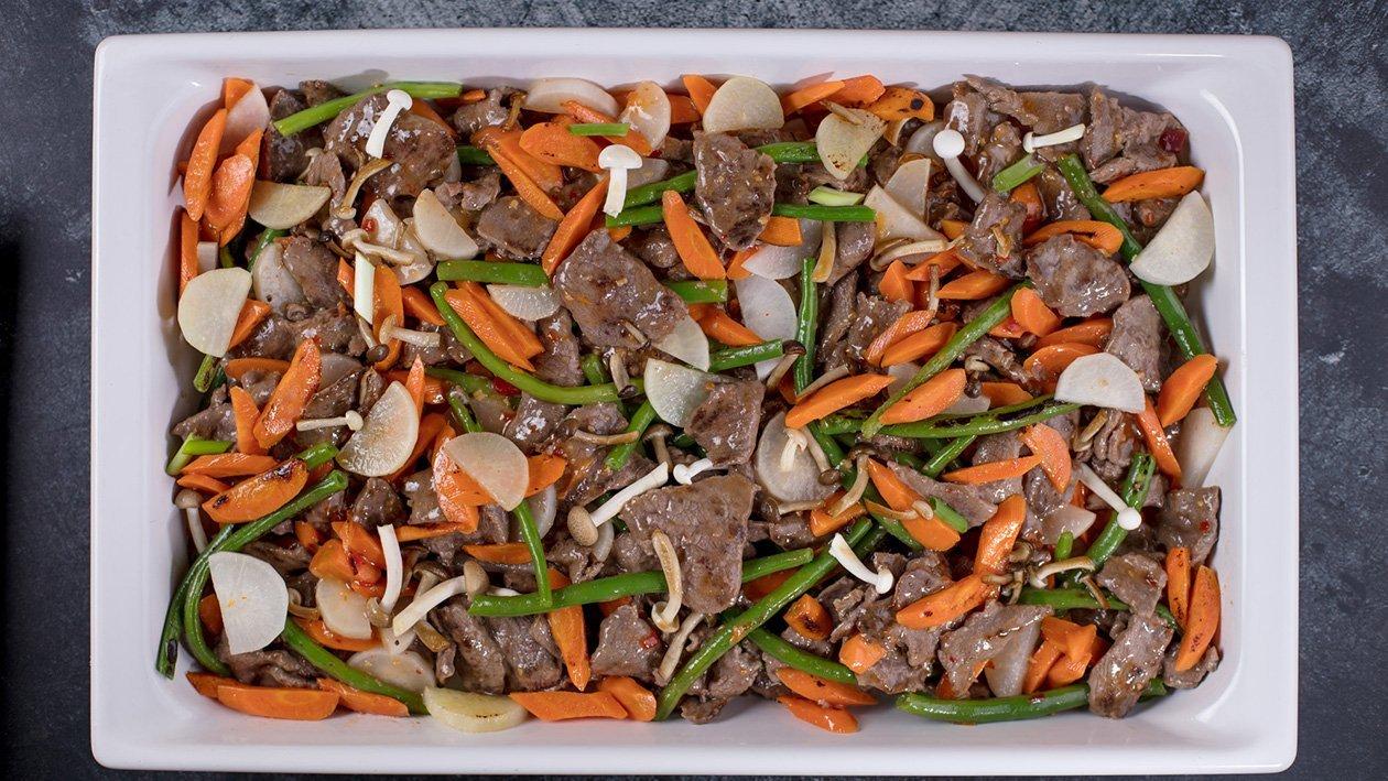 Kepta jautiena su saldžiu čili padažu su daržovėmis ir ryžiais su kiau iniu – Receptas