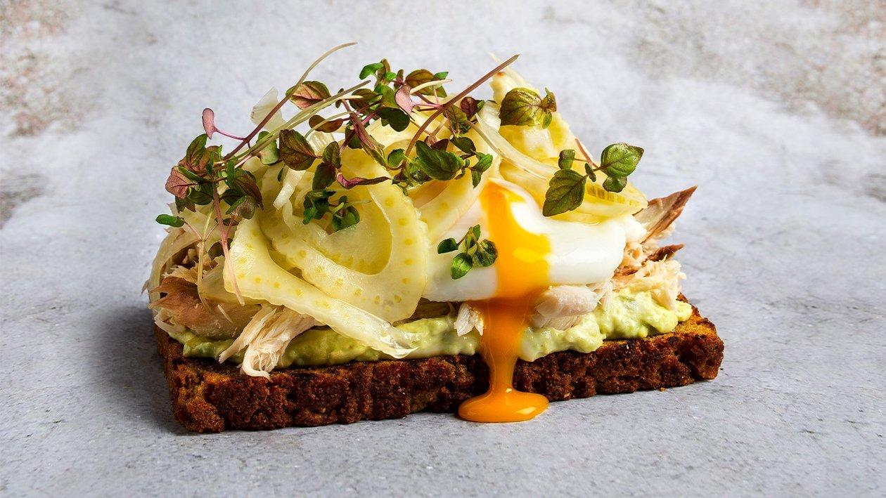 Skandinaviškas sumuštinis su skumbre – Receptas