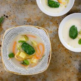 Zivs ar confit kartupeļiem un dārzeņiem