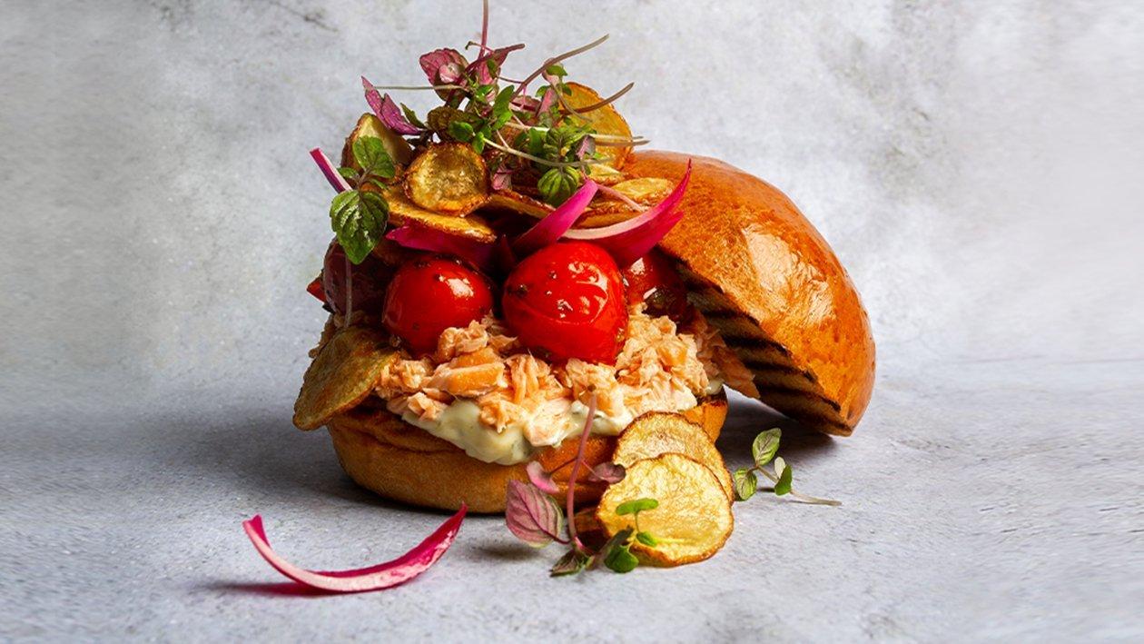 Burgers ar plūkātu lasi – Recepte