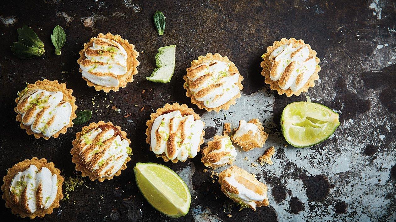 Citronu un laima tartalete ar dedzinātu baltumu – Recepte