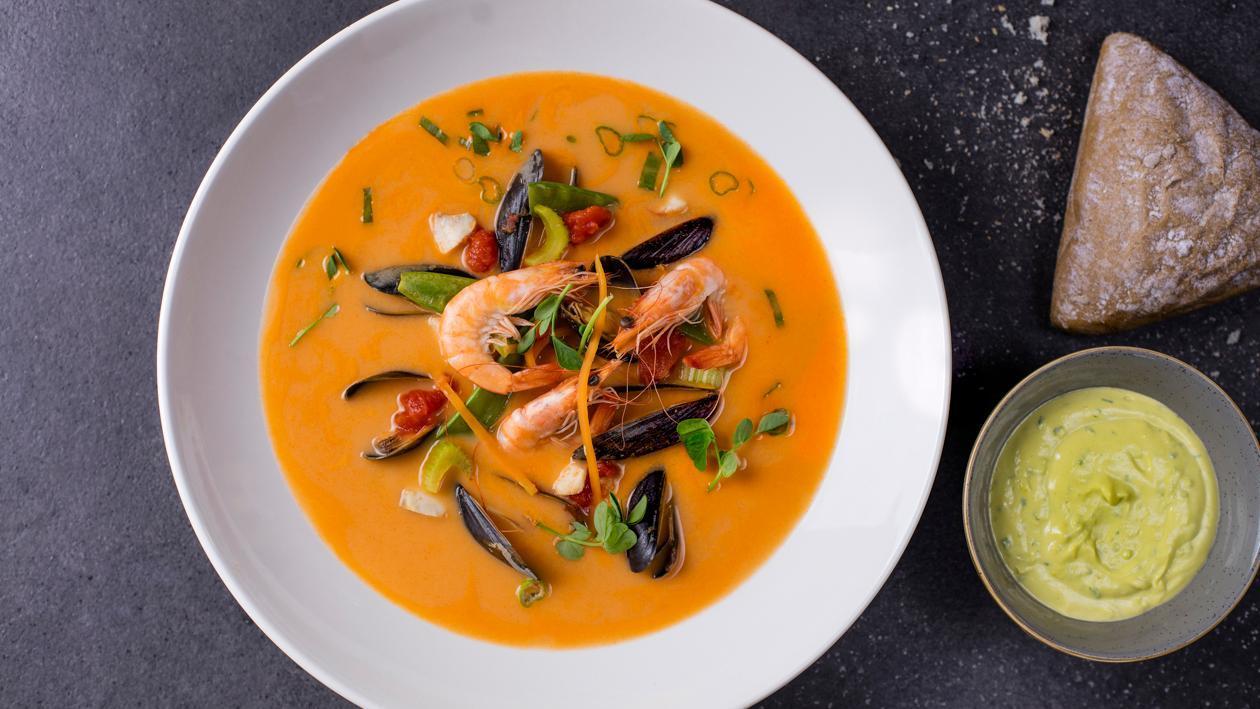 Pikantā jūras produktu zupa – Recepte