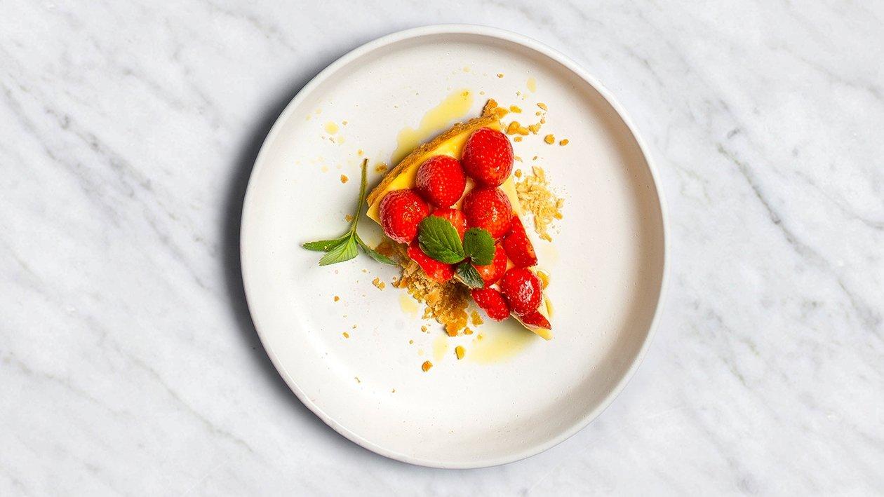 Siera pīrāgs ar zemenēm un olīveļļu – Recepte
