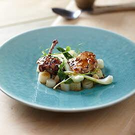 Salad bersama Puyuh Teriyaki, Asparagus dan Bok Choy