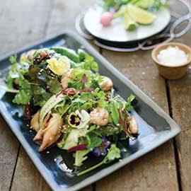 Sotong Berempah, Timun Reben, Ketumbar, Selasih & Salad Roket