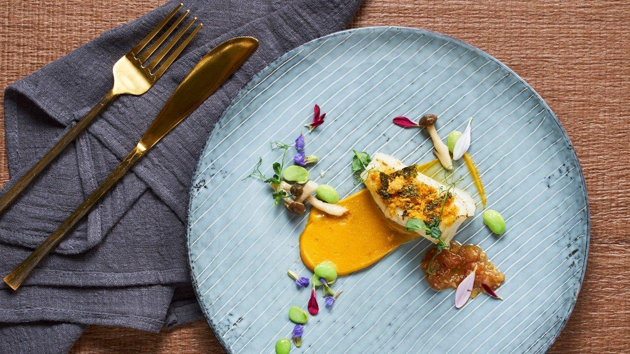 Ikan Kod Panggang dengan Kerak Serunding Ayam & Kuning Telur Masin
