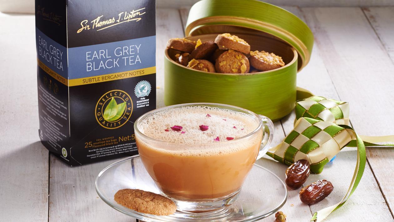 Latte Earl Grey dengan Ros dan Kurma